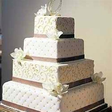 Square quilted wedding cake!   photos   Pinterest   Quilt