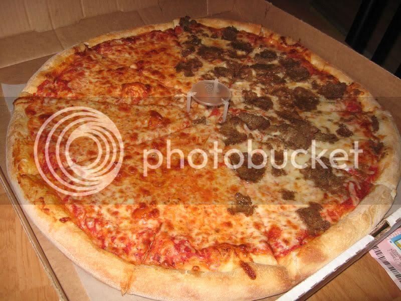 Dalli's Meatball & Cheese Pizza