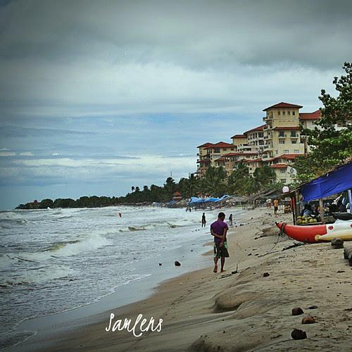 Marbela Hotel Anyer, Banten, Indonesia #anyer  #indonesia  #traveling  #beach  #instatravel  #instagram  #instaphotoesia  #algaet  #webstapick  #sand by be.samyono