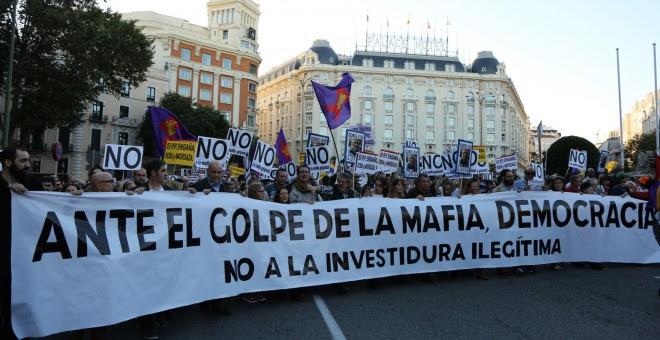 Cabecera de la manifestación convocada en Madrid contra la investidura de Mariano Rajoy.-  JAIRO VARGAS