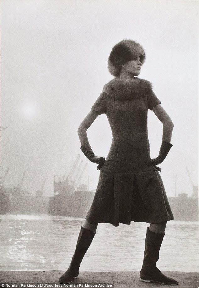 Rainha modelo Magazine1962 vestindo Rembrant