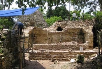 Vestígios do teatrp maia com 1200 anos