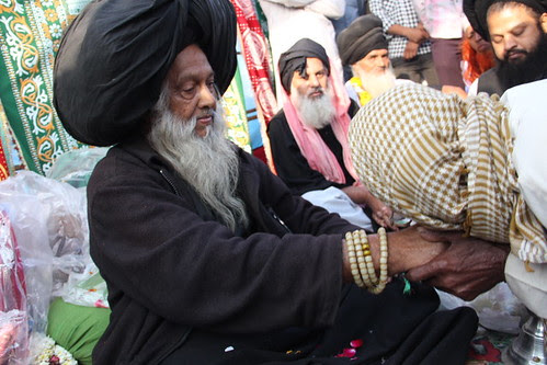Syed Masoomi Ali Baba Madari Asqan by firoze shakir photographerno1