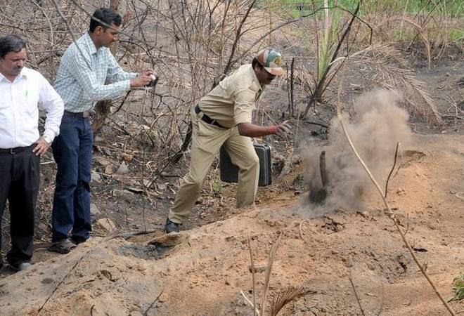 burning ground, mysterious burning ground india, mysterious ground kills boy india, mysterious burning ground kills boy india