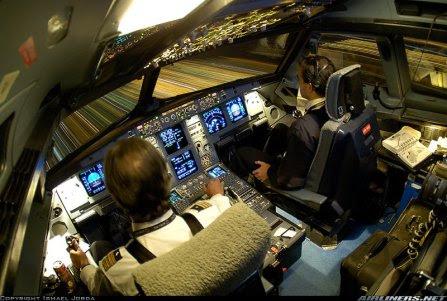 Mengintip Cockpit Pesawat yuk ?