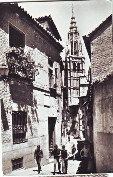 Calle de Santa Isabel a mediados del siglo XX. Foto Arribas