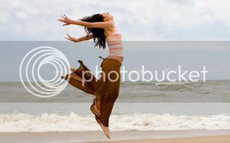 woman_jumping_long