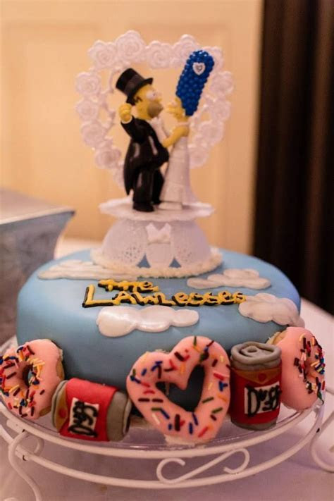 1000  ideas about Simpsons Cake on Pinterest   Simpsons