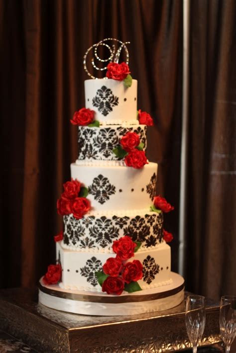 25  best ideas about Damask wedding cakes on Pinterest