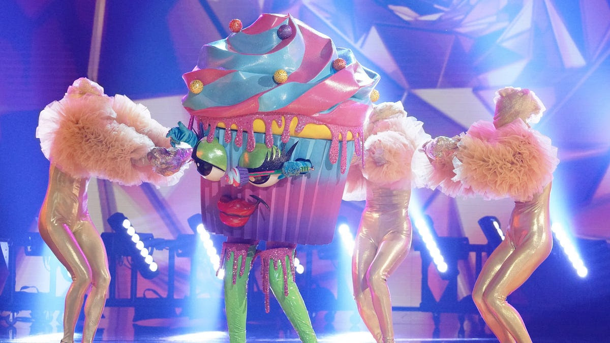 'Masked Singer': Cupcake is iced out; wildcard Caterpillar gives 'front-runner performance'