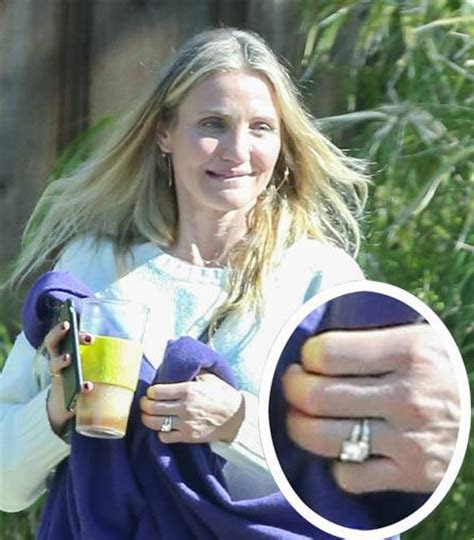 Cameron Diaz Wearing New Diamond Ring   Arabia Weddings