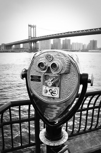ManhattanBridgeThruTheViewfinder