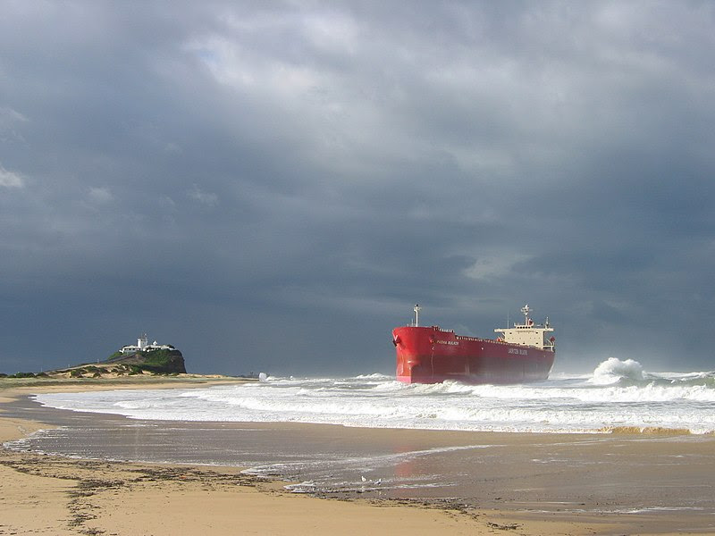 File:Pasha Bulker grounded.jpg