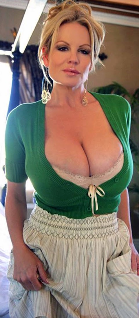 Sexy Busty Mature Pictures Exposed (#1 Uncensored)