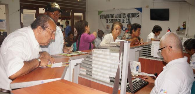 Se inició el pago de subsidio a adultos mayores en bancos
