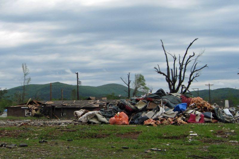 Mena Tornado 2009 64