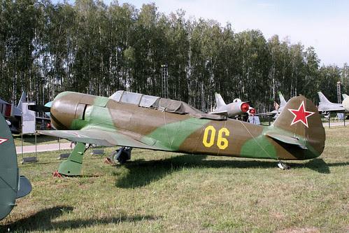 Yakovlev Yak- 06 yellow