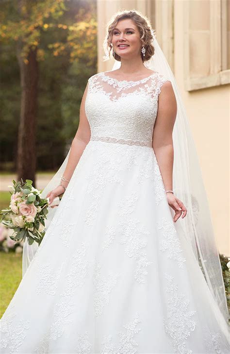 Stella York 6303  Plus Size Wedding Dress   Sale price £1299