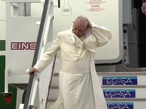 Avião com o Papa Francisco chega a Cuba (Foto: Reprodução / AFP)