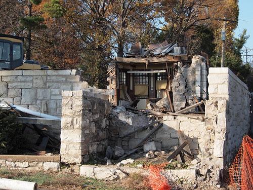 Demolition of Brownhurst Mansion in Kirkwood, MO_PB040444