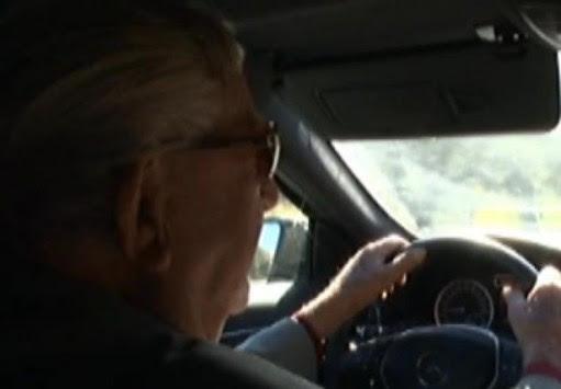 Δείτε τον γηραιότερο οδηγό της Ευρώπης να... πατάει γκάζι στην Ακράτα - ΒΙΝΤΕΟ
