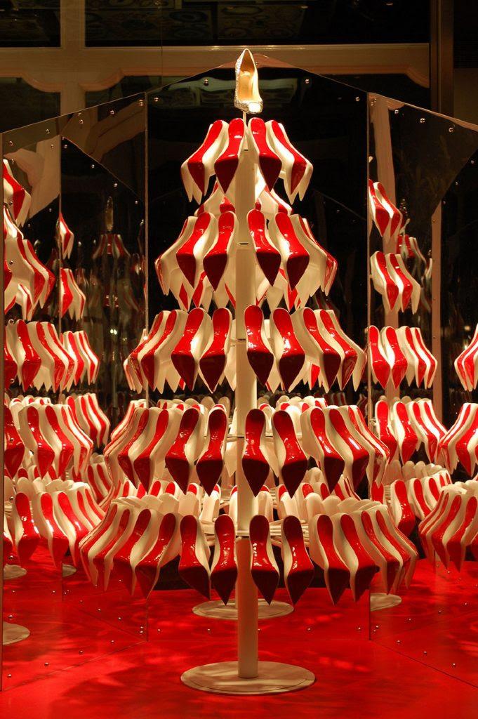 27 Unique Christmas Decoration Ideas For Stores Christmas Celebration All About Christmas