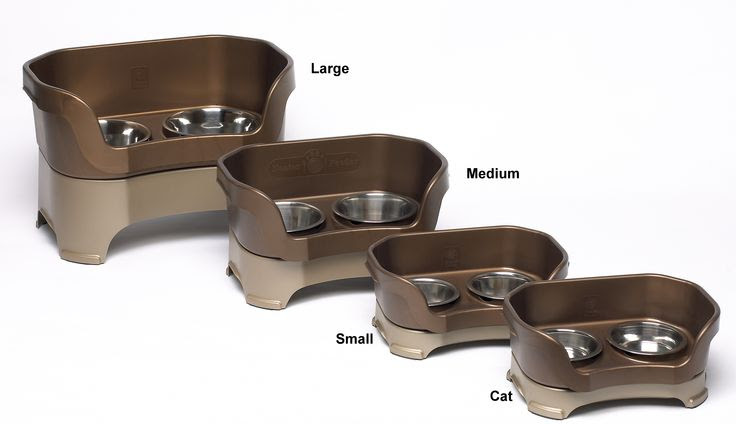 Neater Feeder Deluxe comes in 4 sizes and 2 colors: bronze or cranberry