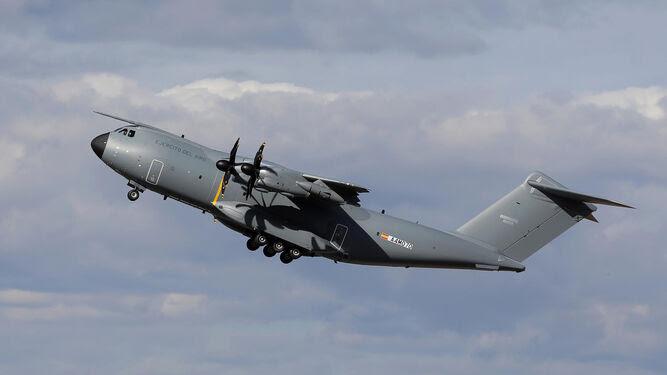 El segundo avión militar A400M para el Ejército del Aire realizó su primer vuelo el pasado 19 de octubre en Sevilla.