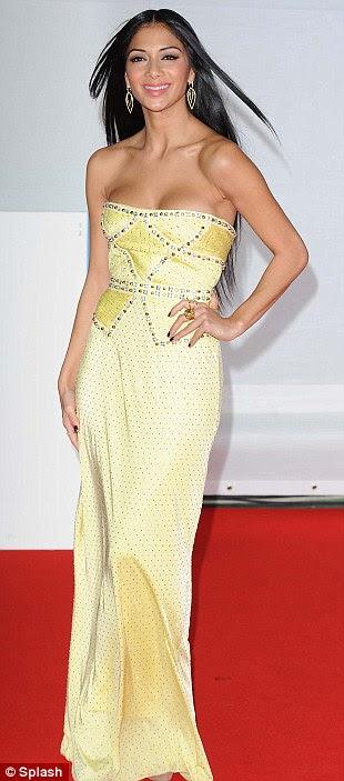 Como é doce: Nicole Scherzinger estava linda neste vestido de limão