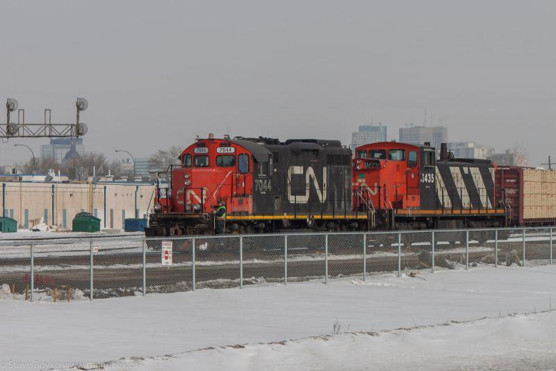 CN 7044 and CN 1435 in Winnipeg