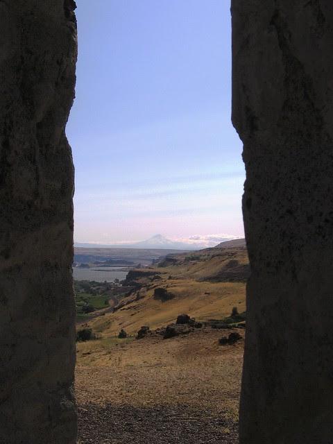 mt. hood from stonehenge