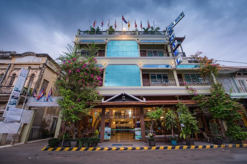 Review Seng Hout Hotel