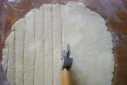 Cutting Lattice Strips