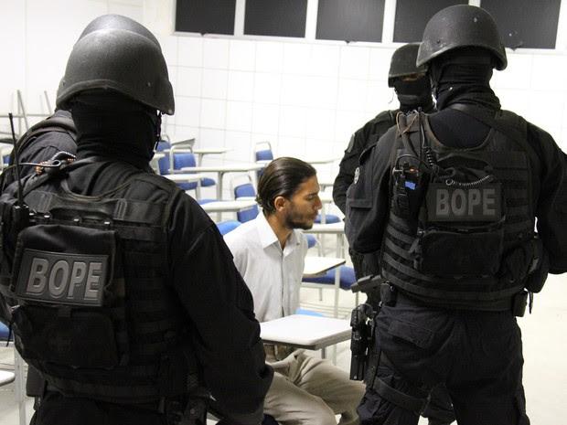 Bope negociou por mais de três horas rendição de suspeito (Foto: Alberto Maraux/Ascom SSP)