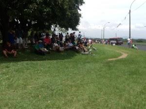 Costarricenses se acercan al parque del Agricultor . CRH