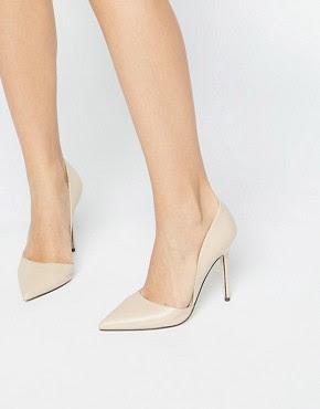 Zapatos de salón con tacón en dos partes en nude de Lost Ink