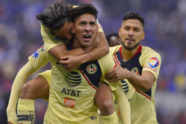c5c75cc7f44 America vs. Cruz Azul score  Goalkeeper error leads to Alvarez s stunning  winner as Aguilas win Liga MX