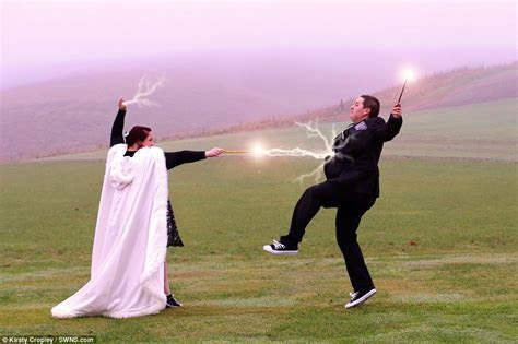 Couple tie the knot with a Harry Potter themed wedding