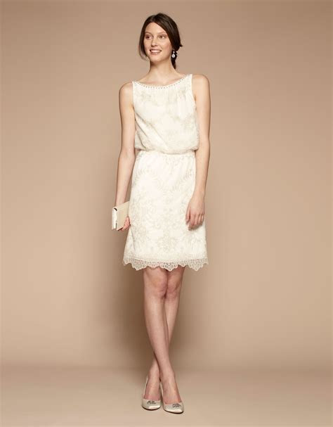 Beautiful and feminine Bridal dress, perfect for a civil