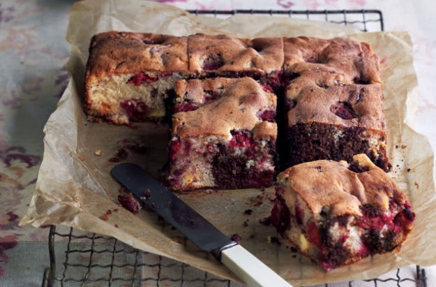 Very berry chocolate tray bake from Essentials magazine ...