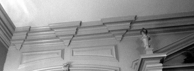 P1070323-2011-01-26-Shutze-Goddard-Chapel-Molding