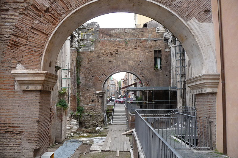 File:10 Roma gheto porta.jpg