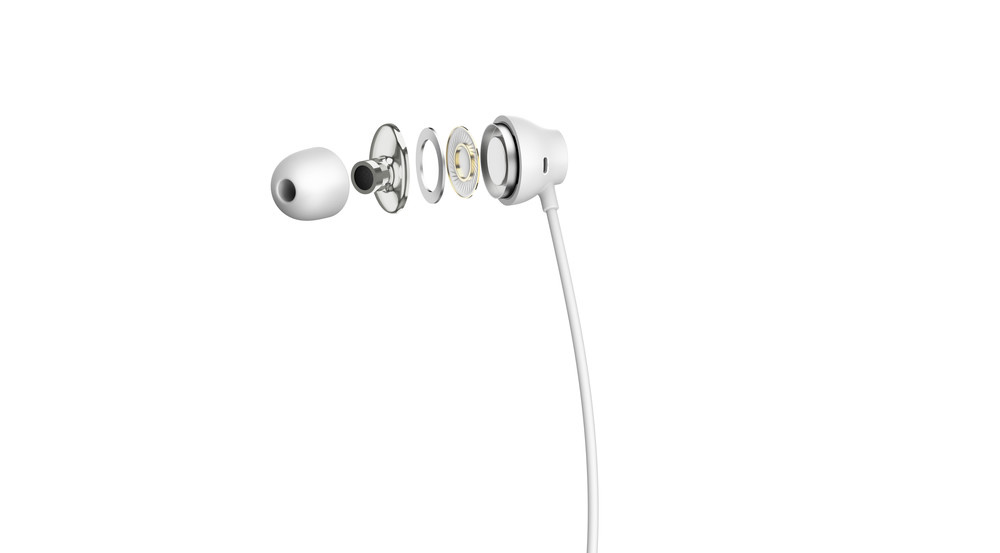 HiResAudio_earphones_White2