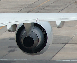 Boeing 757 wing view (inflight trim)