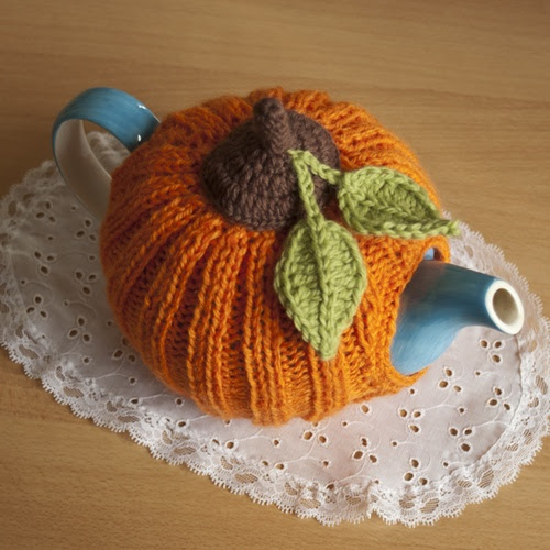 Pretty Pumpkin Tea Cozy