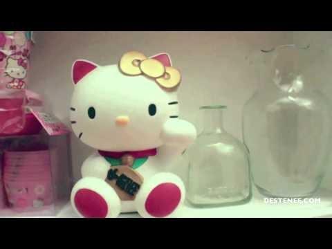 Destenee - Hello Kitty Christmas (Cute/Corny Christmas Song)