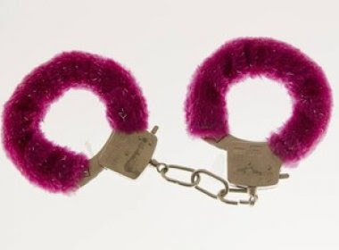 Bombeiros registraram 79 salvamentos com algemas em brincadeiras sexuais