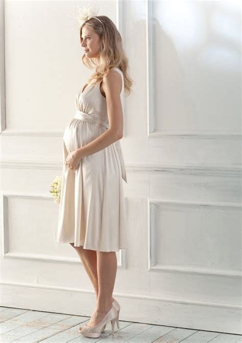 An Overview Of Maternity Dresses   Red Lace Dress