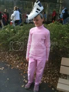 gum shoe costume