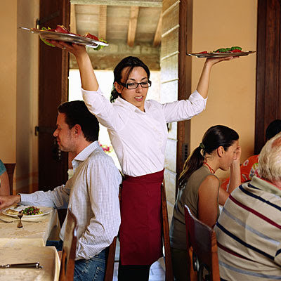 13 Facts On How to become a great waitress - mvbtrends